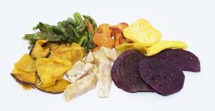 Microplaquetas vegetais secadas misturadas dos frutos no fundo fotografia de stock royalty free
