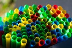 Microplastic in de oceanen stock fotografie