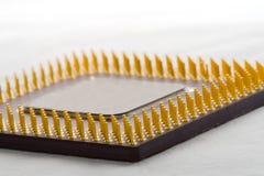 Microprocesador en protoboard Imagen de archivo libre de regalías