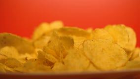 Microprocesadores curruscantes de oro primer, comida basura con los reforzadores del sabor, riesgos para la salud metrajes