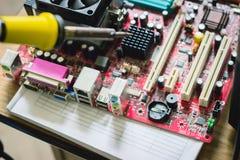 microprocessore del saldatoio, chip Immagini Stock Libere da Diritti