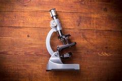 Microscope sur le Tableau image libre de droits