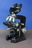 Microscopio d'annata Immagine Stock