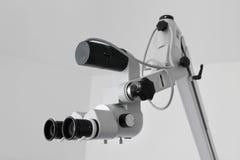 Microscopio del oído imagen de archivo