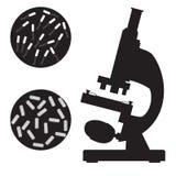 Microscopio y bacteria médicos negros stock de ilustración