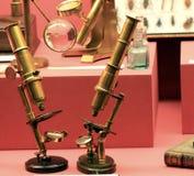 Microscopios antiguos Imagen de archivo libre de regalías