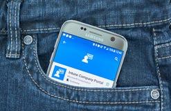 Microsoft Intune Firma Wrotny mobilny zastosowanie na ekranie Samsung obrazy stock
