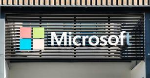 Microsoft logotype op het nieuwe bureau van Lissabon portugal royalty-vrije stock afbeelding