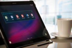 Microsoft Office-Anwendungen auf Samsungs-Tablet mit Android Lizenzfreies Stockbild