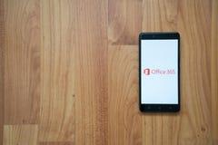 Microsoft Office 365 en smartphone Imágenes de archivo libres de regalías