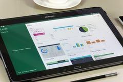 Microsoft Office Excel app en la tableta de Samsung Fotos de archivo