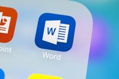 Microsoft słowa podaniowa ikona na Jabłczany X iPhone parawanowym zakończeniu Microsoft Office słowa ikona Microsoft Office na te fotografia royalty free