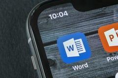 Microsoft słowa podaniowa ikona na Jabłczany X iPhone parawanowym zakończeniu Microsoft Office słowa ikona Microsoft Office na te fotografia stock