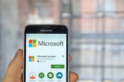 Microsoft spiega l'applicazione mobile Fotografie Stock Libere da Diritti