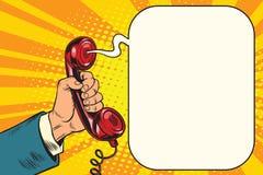 Microteléfono retro a disposición ilustración del vector