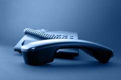 Microtelefono nero del telefono dell'ufficio immagini stock libere da diritti