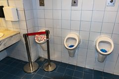 "Mictórios do †do toalete público ""- GRÉCIA avariado foto de stock royalty free"