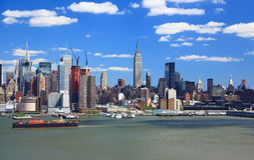 The Mid-town Manhattan Skyline Royalty Free Stock Photos