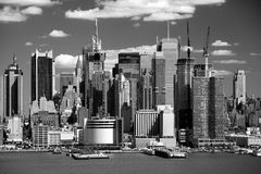 The Mid-town Manhattan Skyline Royalty Free Stock Photos
