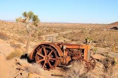 Tractor abandonado del desierto Foto de archivo