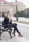 Middagplezier in het stadspark royalty-vrije stock foto