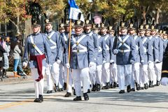 Middelbare school Militaire Kadetten Maart in Georgia Veterans Day Parade stock foto's