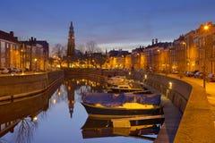 Middelburg con la torre di chiesa di Lange gennaio alla notte fotografia stock libera da diritti