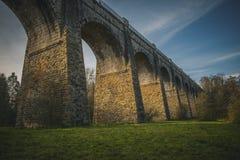 Middeleeuws Aquaduct in van het het Aquaduct de Tweede Hoogste Aquaduct van Schotland Avon Oude baksteenconstructie Schot stock foto