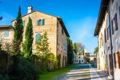 Middeleeuws dorp in Cordovado-kasteel Stock Foto's