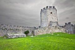 Middeleeuws erakasteel in Zuid-Europa Stock Foto's