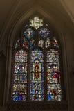 Middeleeuws gebrandschilderd glas op het venster van het oosten van Al Heiligenkapel binnen kathedraal van de Munster van York in royalty-vrije stock foto's