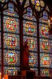 Middeleeuws gebrandschilderd glasvenster royalty-vrije stock fotografie