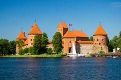 Middeleeuws gotisch Trakai-Eilandkasteel, Meer Galve, Litouwen royalty-vrije stock fotografie