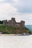 Middeleeuws kasteel op de banken van de Donau royalty-vrije stock foto's