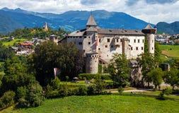 Middeleeuws kasteel van Presule stock foto