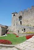 Middeleeuws kasteel van San Marino, Italië stock foto's