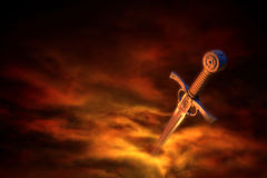 Middeleeuws zwaard in rook Stock Foto's