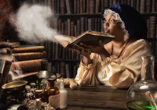 Middeleeuwse alchimist Royalty-vrije Stock Fotografie