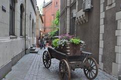 Middeleeuwse bloemkar in Riga, Letland Royalty-vrije Stock Fotografie