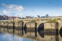 Middeleeuwse brug in Galicië Spanje Royalty-vrije Stock Afbeeldingen