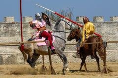 Middeleeuwse de ridderstoernooien van Transsylvanië in Roemenië royalty-vrije stock fotografie