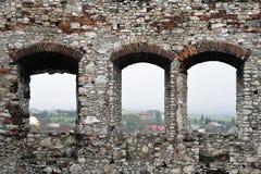 Middeleeuwse de steenmuur van het Kasteel. Stock Fotografie
