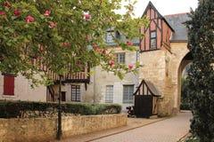 Middeleeuwse gebouwen in de oude stad reizen frankrijk stock afbeeldingen