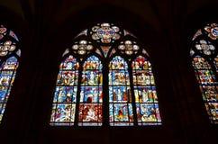 Het venster van het gebrandschilderd glas van de Kathedraal van Straatsburg in Frankrijk Stock Afbeeldingen