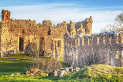 Middeleeuwse het kasteelruïnes van de Livonianorde Stock Foto