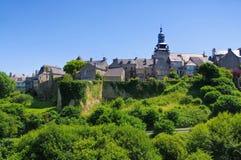Middeleeuwse huizen in Moncontour, het Pantser van Kooiend `, Bretagne stock afbeelding