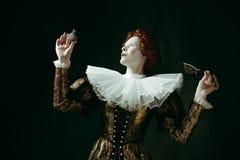 Middeleeuwse jonge vrouw als hertogin stock afbeelding