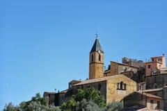 Middeleeuwse kasteel en klokketoren Royalty-vrije Stock Afbeelding