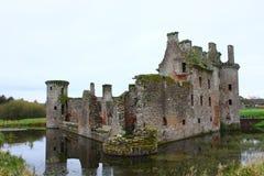 Middeleeuwse kasteelruïne Stock Afbeeldingen