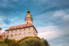 Middeleeuwse Kasteeltoren in Cesky Tsjechische Krumlov, royalty-vrije stock afbeeldingen